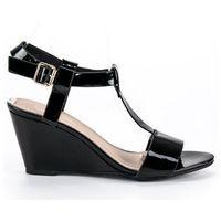 Lakierowane sandały na koturnie marki Buty filippo