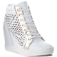 Sneakersy - b4350 g34-j16-000-b88 marki Carinii