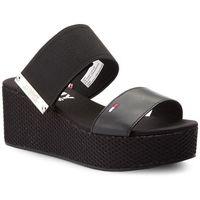 Klapki TOMMY JEANS - Material Mix Flatform Sandal EN0EN00217 Black 990, kolor czarny