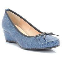 f1812 niebieski- hiszpańskie czółenka na modnej koturnie marki Brenda zaro