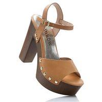 Sandały na podeszwie platformie brązowy marki Bonprix