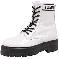 Tommy Jeans Kozaki sznurowane 'PATENT LEATHER FLATFORM BOOT' czarny / offwhite, sznurowane