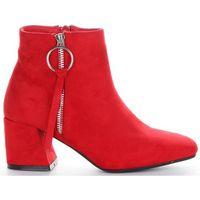 Klasyczne i eleganckie botki damskie z wysokiej jakości zamszu ekologicznego firmy bellucci czerwone (kolory) marki Belluci