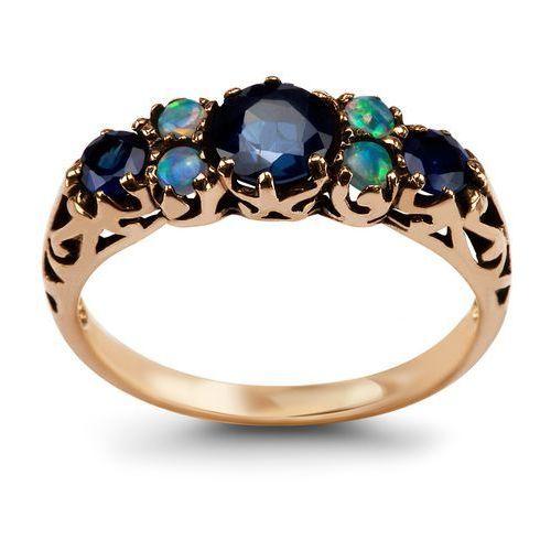 Kolekcja wiktoriańska - pierścionek z szafirami i opalami marki Biżuteria yes