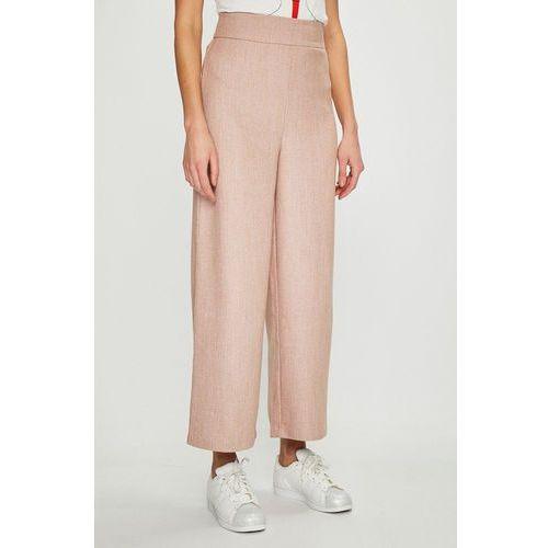- spodnie marki Vila