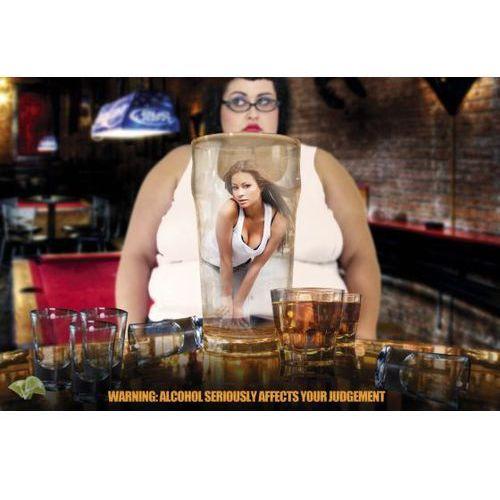 Uwaga Alkohol Dodaje Seksapilu - Piwo i Drinki - plakat - sprawdź w wybranym sklepie