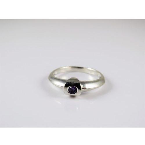Srebrny pierścionek 925 FIOLETOWE OCZKO r. 18, kolor fioletowy