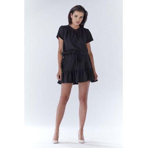 Czarna mini sukienka w stylu boho z krótkim rękawem marki Awama
