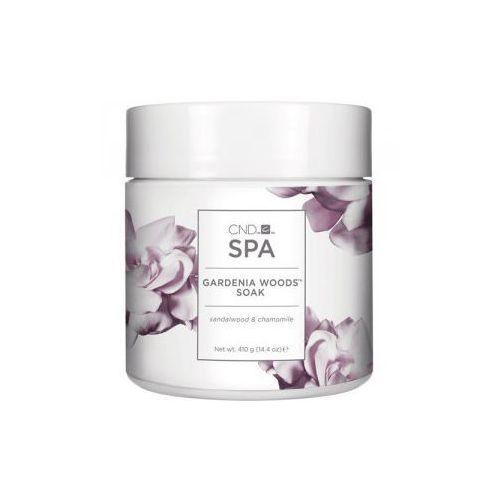 spa gardenia woods sól do moczenia dłoni sandalwood & chamomile 410 g marki Cnd