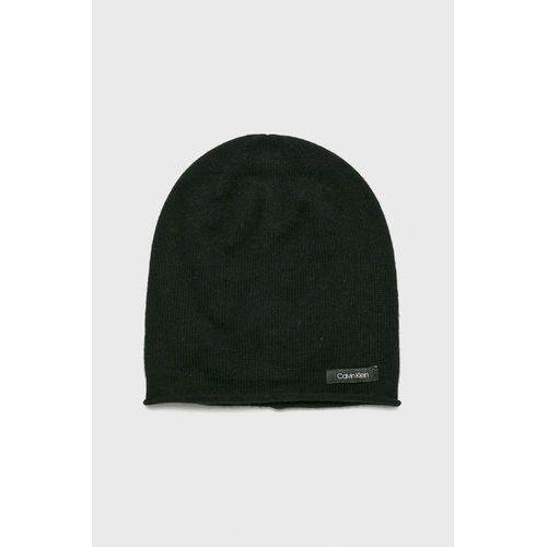 - czapka marki Calvin klein