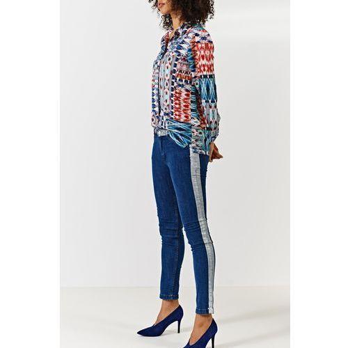 - jeansy marki Simple