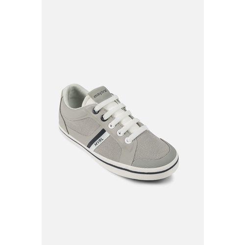 - buty dziecięce 26-30 marki Mayoral