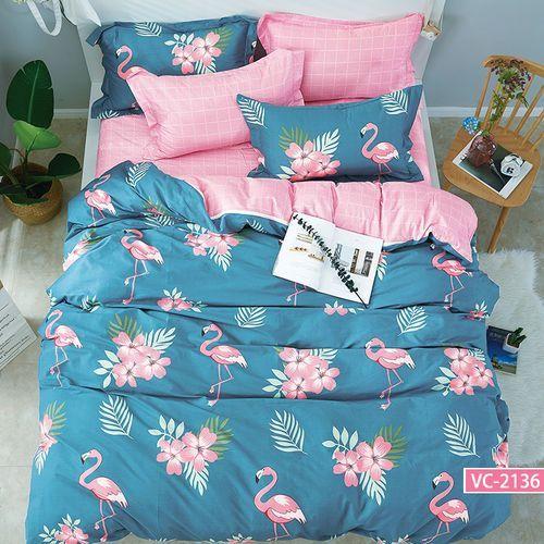 Pościel satynowa 160x200 wzór flamingi i kwiaty na niebieskim plus kratka marki Kz