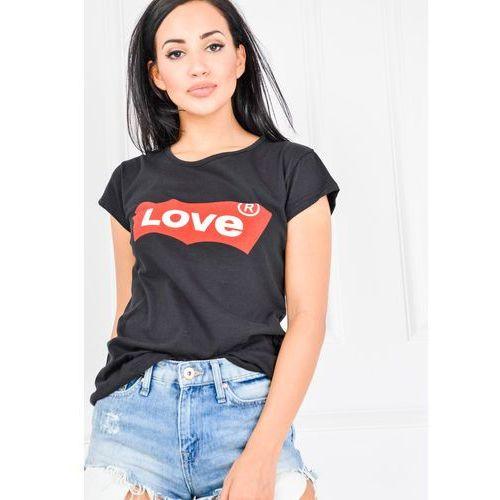 T-shirt z napisem love na czerwonym tle marki Zoio