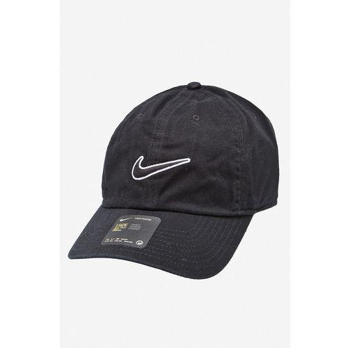 - czapka marki Nike