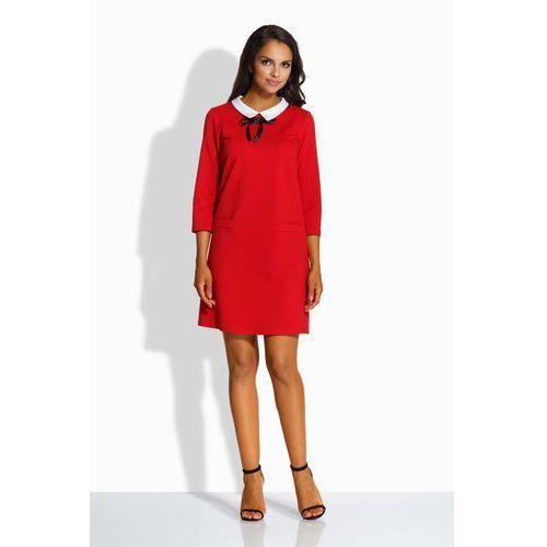 Czerwona Kobieca Sukienka z Białym Kołnierzykiem, kolor czerwony