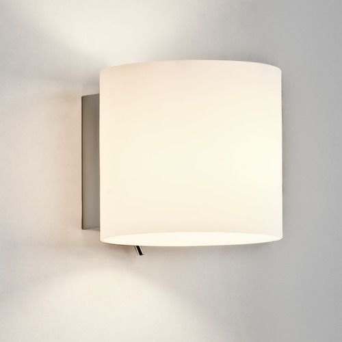 Luga switched wall light marki Astro
