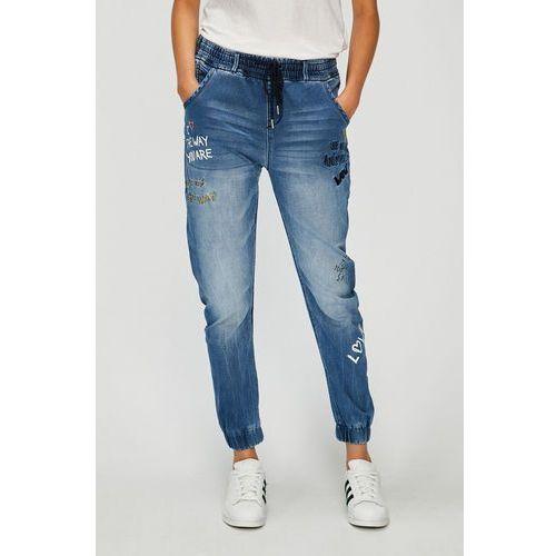 - jeansy celana marki Desigual