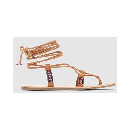 Skórzane sandały-japonki na płaskim obcasie MINA