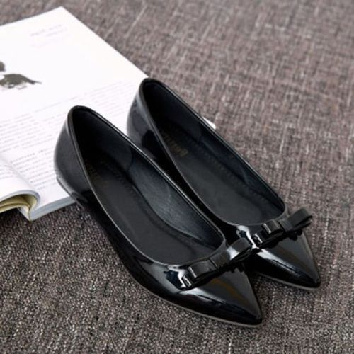 Graceful Patent Leather and Bow Design Flat Shoes For Women ()
