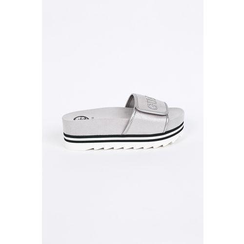 Guess Jeans - Klapki/sandały FLHLI2.FAM19.SILVE