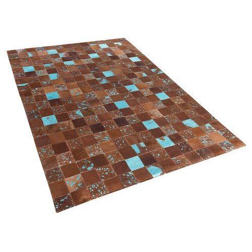 Dywan - brązowo-niebieski - skóra - patchwork - 140x200 cm - aliaga marki Beliani