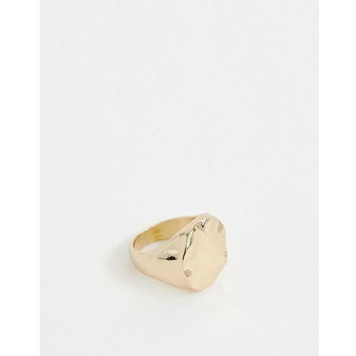 Weekday Hammered ring in Gold - Gold