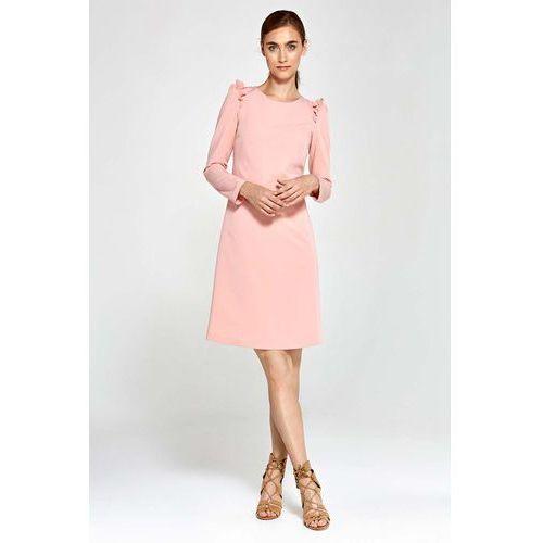 Nife Różowa sukienka trapezowa z falbankami na ramionach