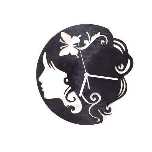Drewniany zegar na ścianę twarz kobiety z białymi wskazówkami marki Congee.pl