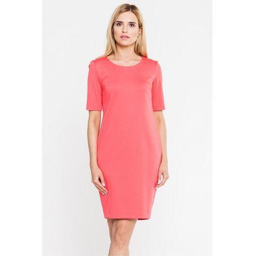 Koralowa, dopasowana sukienka - Carmell