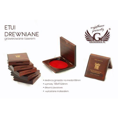 Etui drewniane z pojedynczym gniazdem na medal o średnicy 80mm marki Grawernia.pl - grawerowanie i wycinanie laserem