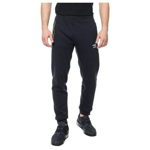 spodnie pro fleece train marki Umbro
