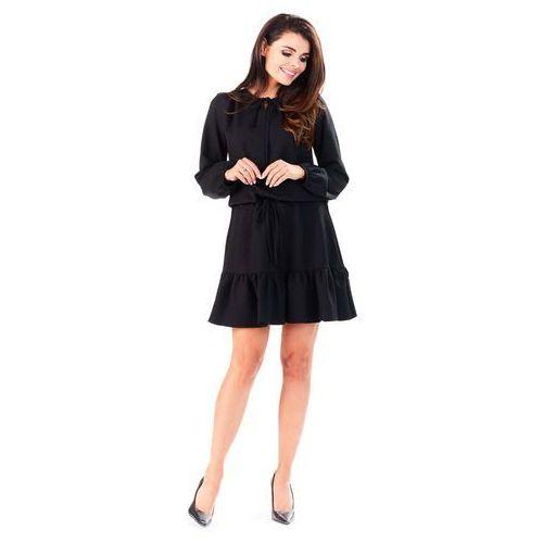 Infinite you Czarna sukienka z falbanką wiązana przy dekolcie