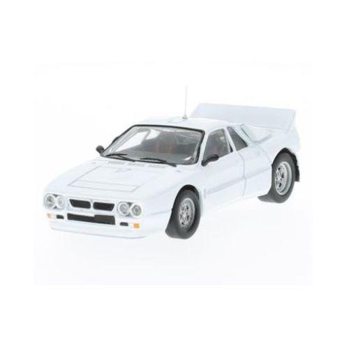 Ixo  lancia 037 rally evo plain body version (white including 4 spare wheels)
