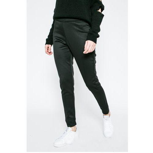 - spodnie marki Missguided