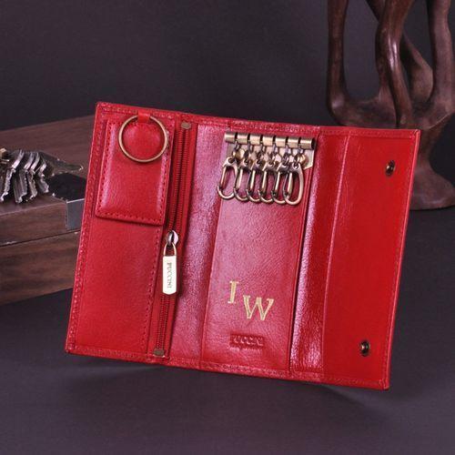 Etui na klucze długie puccini czerwone z inicjałami marki Specially4u