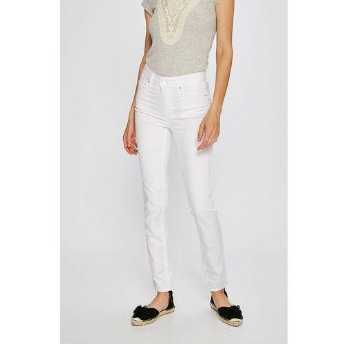 - jeansy simao, Silvian heach