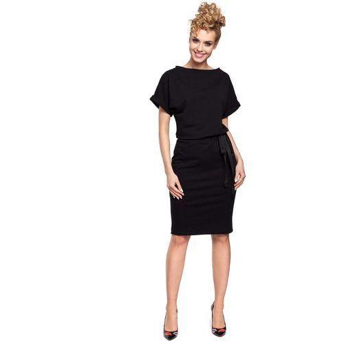 Czarna Sukienka z Kimonowym Rękawem z Ozdobną Wstążką w Pasie, kolor czarny