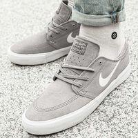 sb zoom stefan janoski rm (aq7475-002) marki Nike