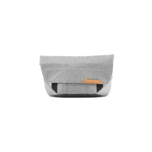 field pouch - popielata - na drobne akcesoria marki Peak design