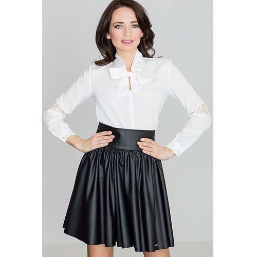 1d4f8544942a81 Ecru elegancka bluzka z wiązaną kokardą... Producent Katrus; Styl  elegancki; Długość rękawa długi rękaw
