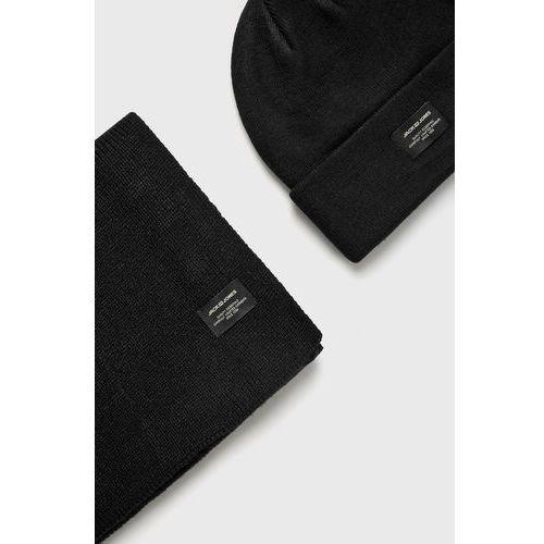 - czapka + szalik marki Jack & jones