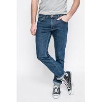 - jeansy greensboro darkstone marki Wrangler