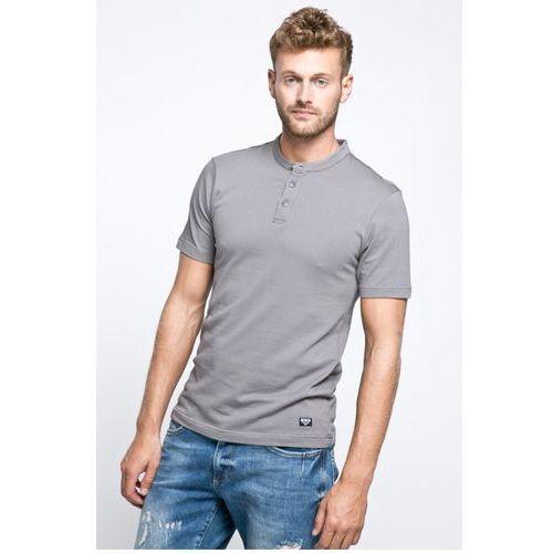 - t-shirt marki Bench