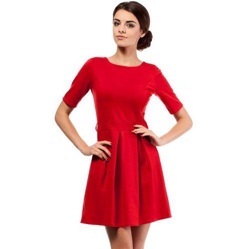 Elegancka sukienka z kontrafałdą 018 czerwona marki Moe