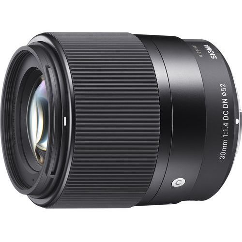 Sigma  c 30 mm f/1,4 dc dn sony e