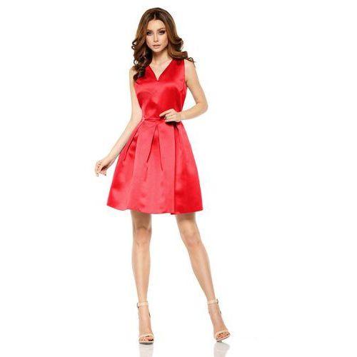 Czerwona połyskliwa wieczorowa sukienka szerokim dołem marki Lemoniade