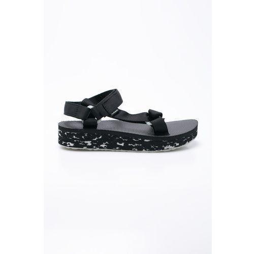 - sandały marki Teva