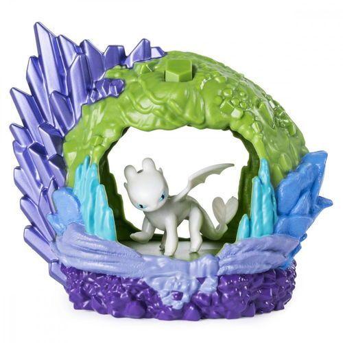 figurka jak wytresować smoka - smocza jaskinia, biała furia marki Spin master