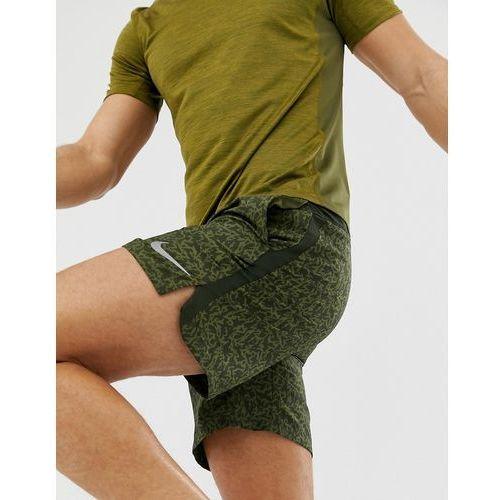 challenger 7 inch print shorts in khaki ah0538-355 - green marki Nike running
